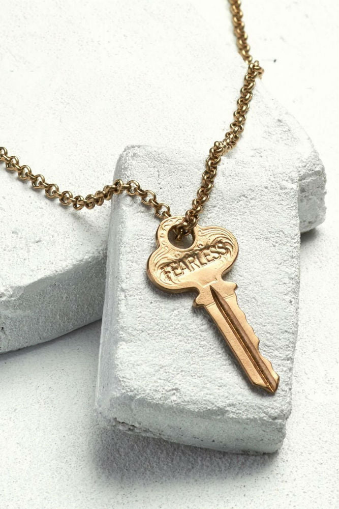 THE GIVING KEYS Classic Key Necklace Fearless Antique Gold