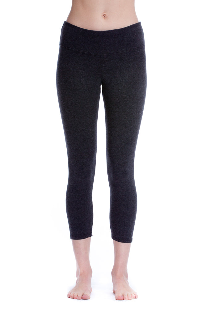 Hard Tail Flat Waist Capri Leggings in Dark Charcoal Heather