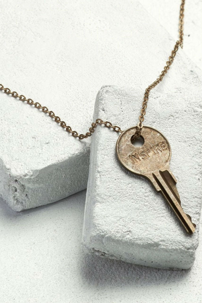 THE GIVING KEYS Classic Key Necklace Inspire Oxidized Brass