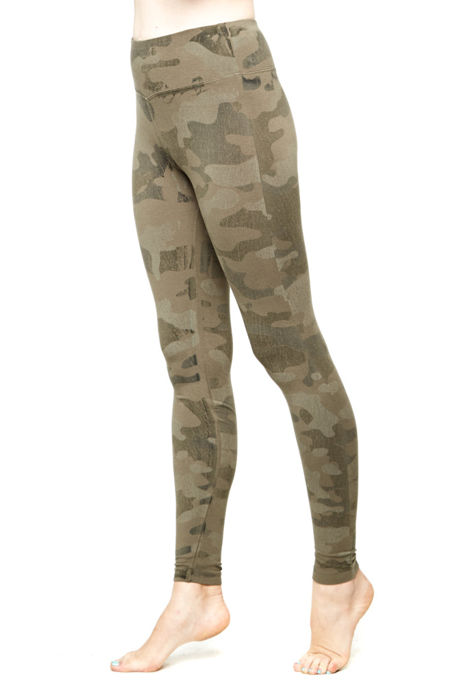 Hard Tail Camo Print Flat Waist Ankle Leggings in Granite