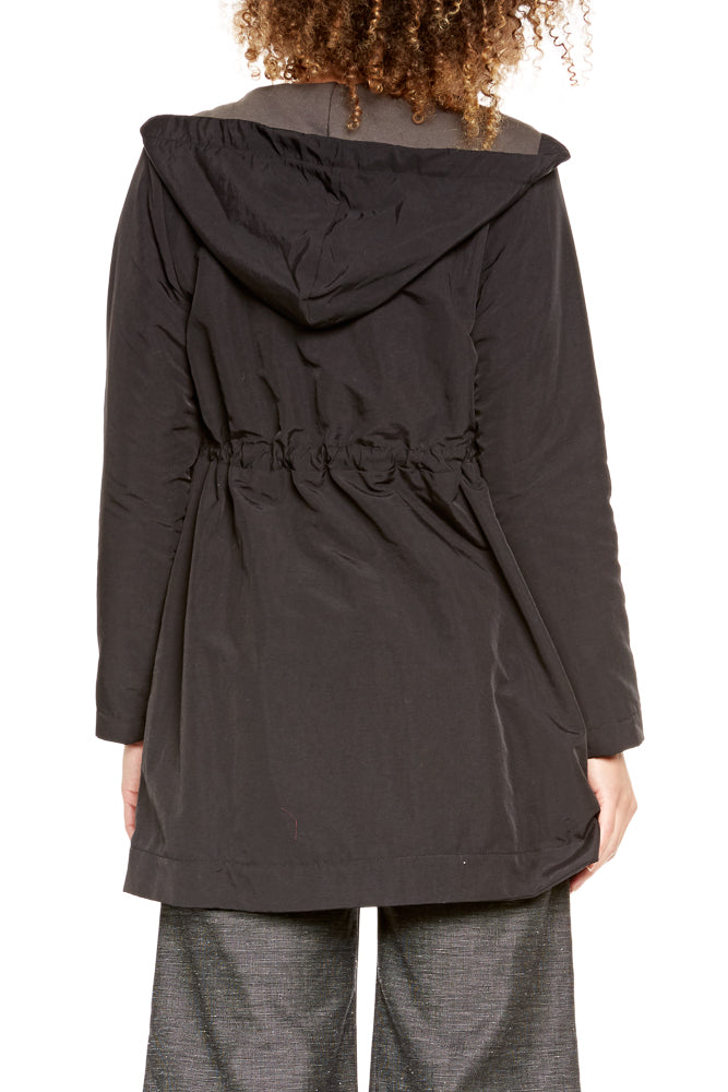 Prairie Underground Crosswalk Raincoat in Black
