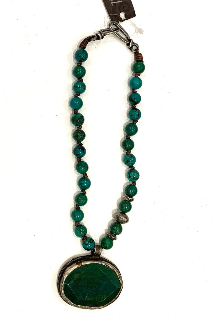 zoWEE Green Agate/Silver with Large Green Pendant Necklace