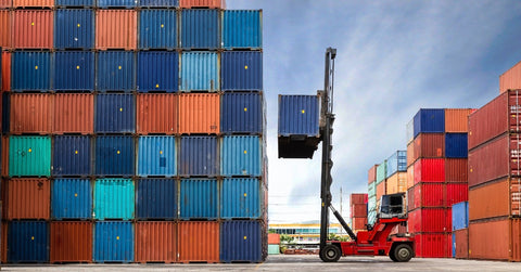 Crane-Lifting-Shipping-Container