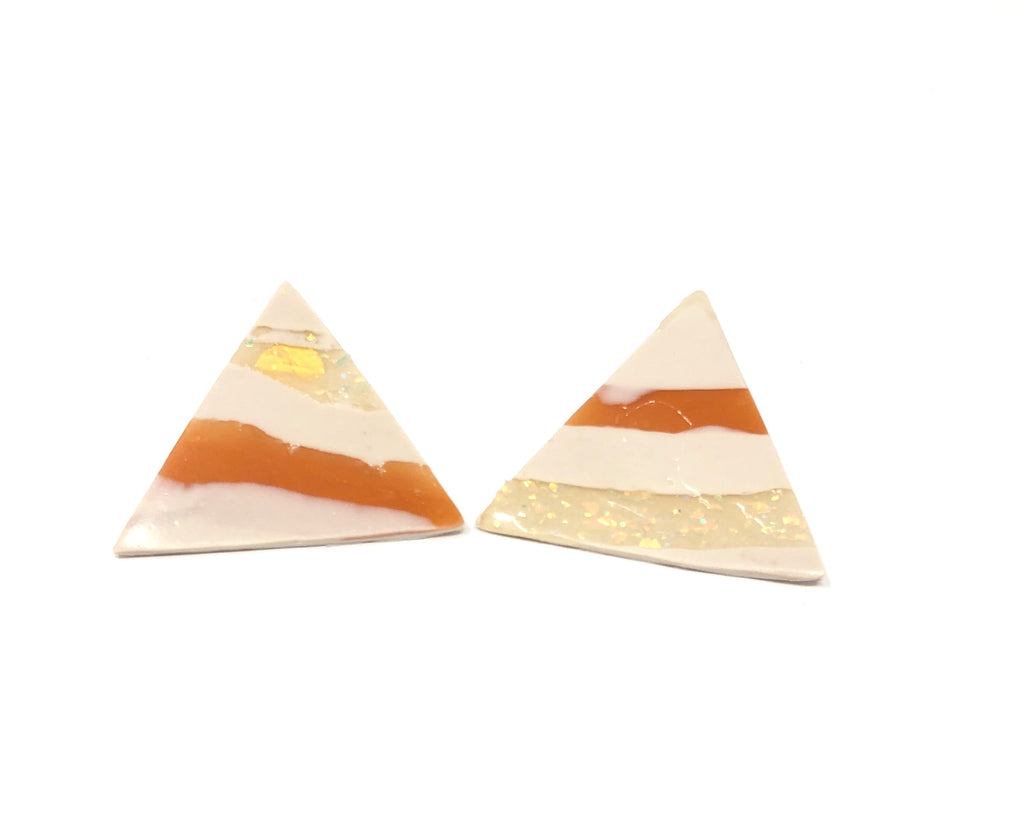 Minimal triangle earrings