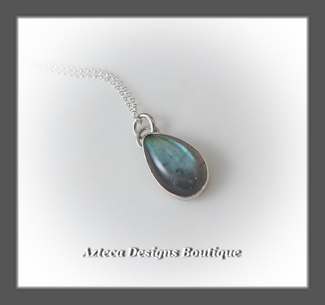 Labradorite+Sterling Silver+Hand Fabricated Pendant Necklace+Simply Her