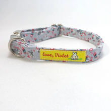 """Vintage Roses"" Collar"
