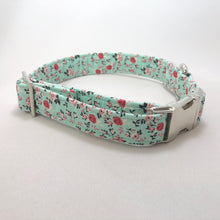 """Turquoise Flowers"" Collar"
