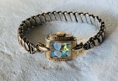 ART DECO OPAL AND PERIDOT FINE FAIRYDUST BAND
