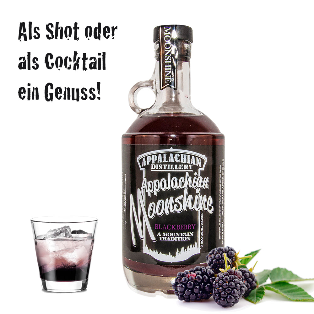 Appalachian Moonshine Blackberry als Shot oder Cocktail mit Brombeere als Dekoration