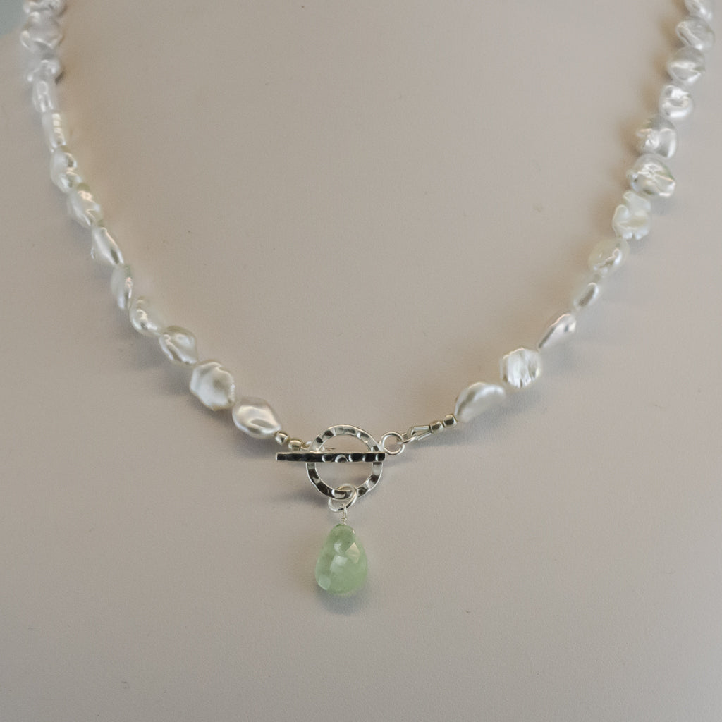 Natural Pearl Strand Necklace Elegant White Prehnite Drop Green