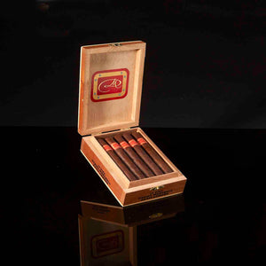 DM Red Label Petite Corona - Cabinet of 10
