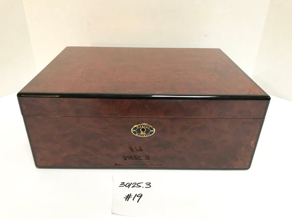 FACTORY FLOOR SALE ITEM #19 BURL 125 PRIVATE STOCK HUMIDOR
