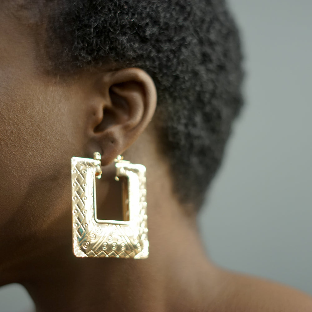 Load image into Gallery viewer, REGINA square textured hoops