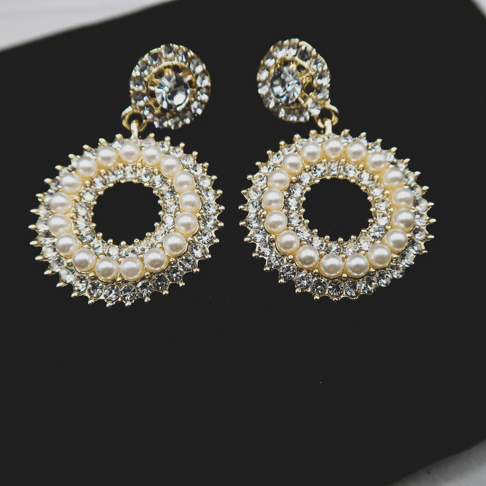 Load image into Gallery viewer, DALIAH pearl & rhinestone drop earring