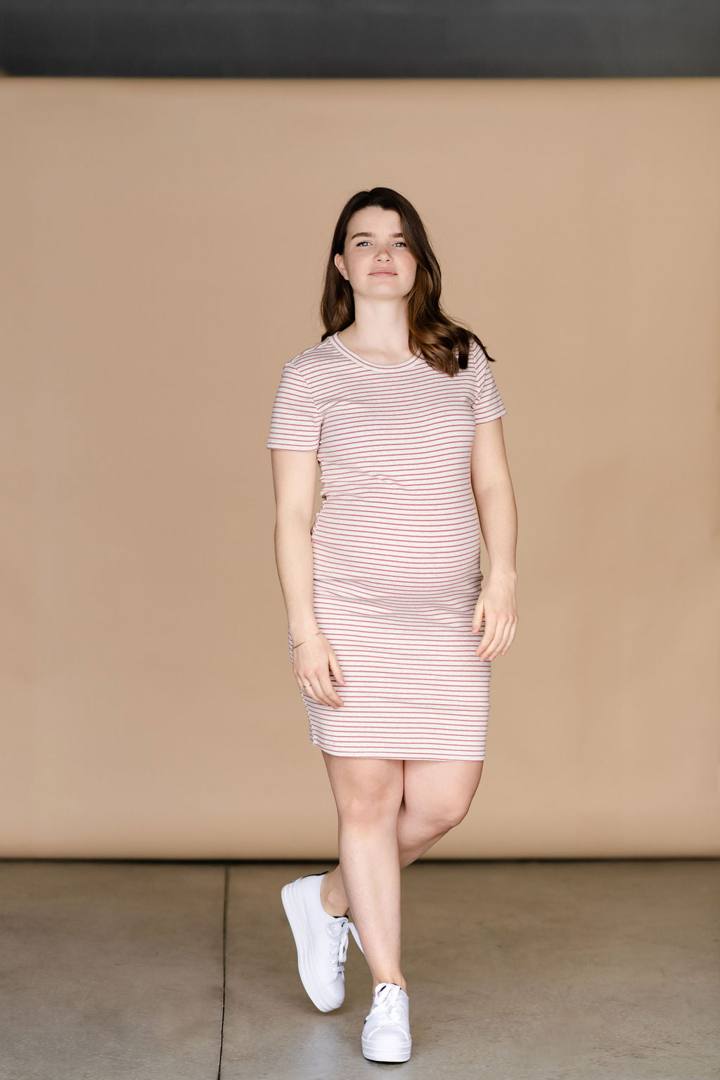 Robe INTRIGUE - mini rayures beige et rose