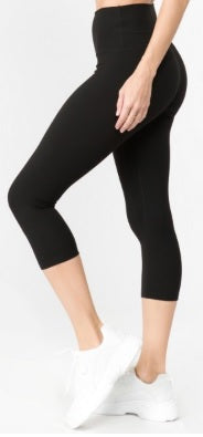 High Rise Solid Color Athletic Capri Leggings