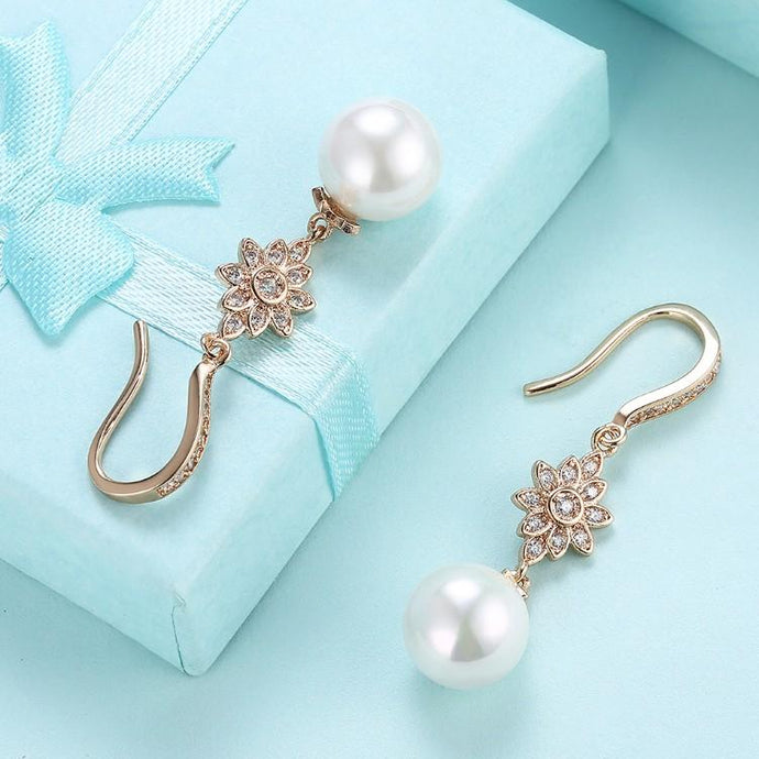 Swarovski Crystal Star Shaped Dangling Classic Pearl Dangling Earrings Set in 18K Gold - Esquire Label