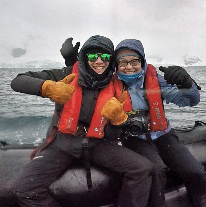 Antarctica Give'r Gloves