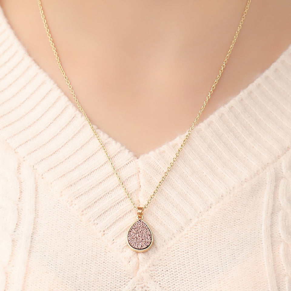 Fearless Girl Layla Water Drop pendant Necklace