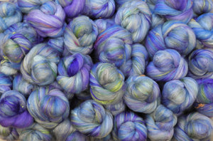 Love-in-a-Mist- SPARKLE Sticklebatts-30% CVM /Rambo/Bor.Leic./Corrie X fleece; merino, silk, bamboo, silk noil, angelina