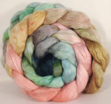 Wensleydale/ mulberry silk roving (65/35) - Shabby Chic - 5.2 oz.