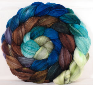 Batt in a Braid #35 - Sea Turtle - Sw Merino (18.5 mic) /Merino (18.5 mic) / Tussah Silk (40/40/20)
