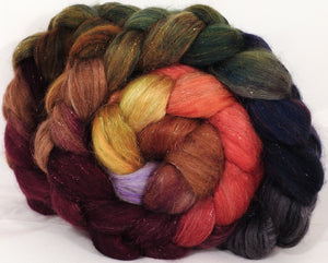 Batt in a Braid #41-Poinsettia -Llama / Merino ( 18 mic.)/ Mulberry silk/ Stellina (40/30/25/5)