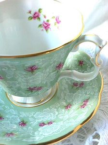 Royal Albert Teacup-Custom Blended Top - Superfine Merino/Mulberry Silk Bamboo/Sari Silk/Tweed Blend (40/25/15/10/10) - Inglenook Fibers