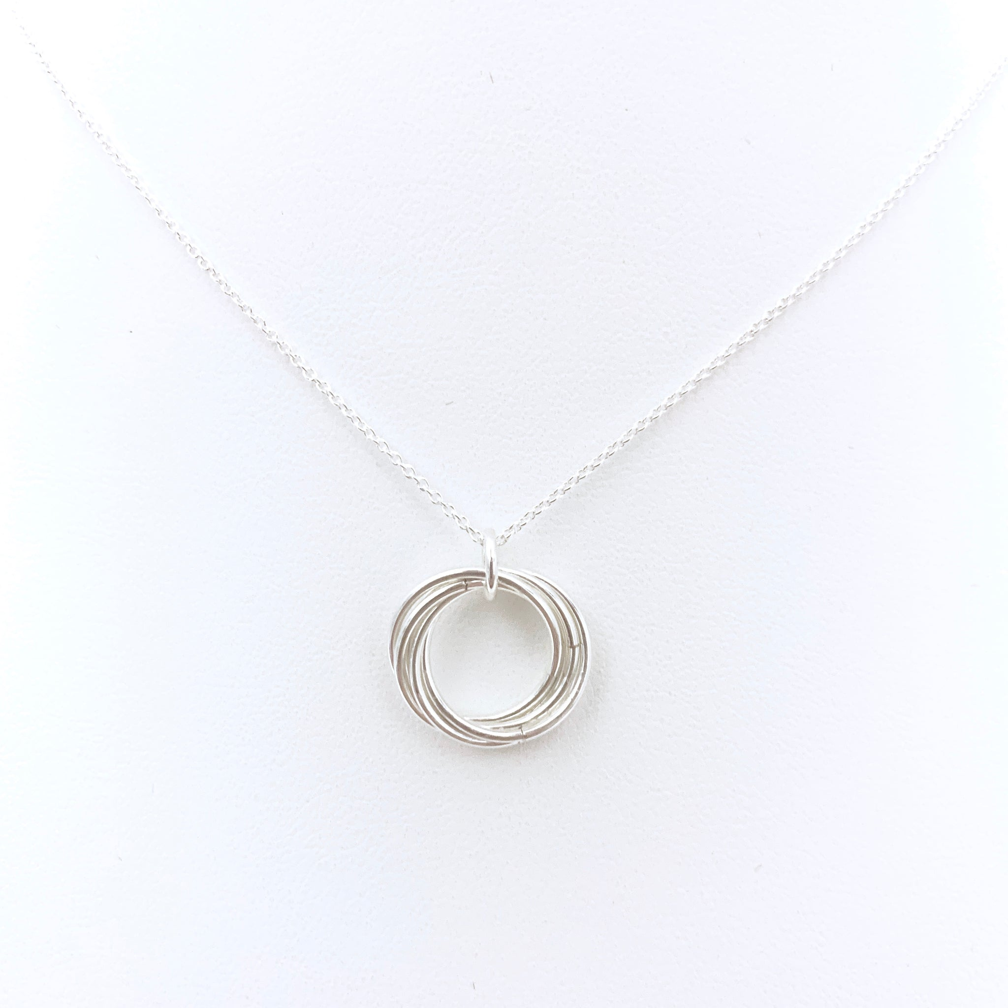 'Alexis' Silver pendant necklace