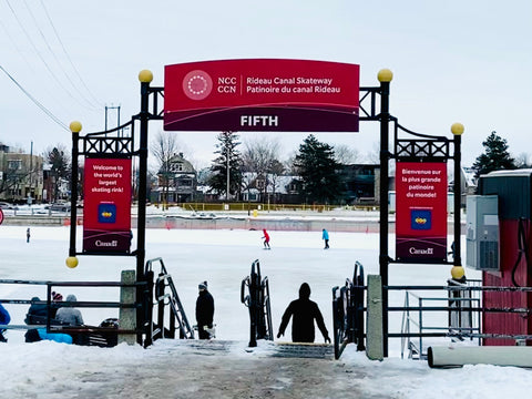 Fifth Avenue Rest Stop, Skate Rentals and Entrance on the Rideau canal Skateway