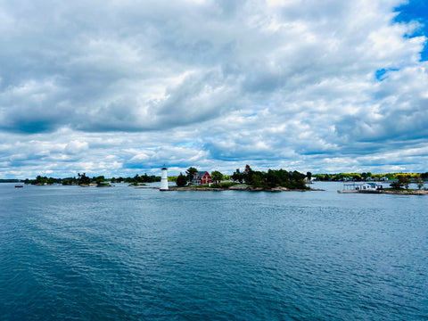 Ontario road trips: What to do in 1000 islands Gananoque, top attractions in 1000 islands Gananoque, City Cruises Gananoque, top boat tour in 1000 islands, cruise on the St Lawrence River, lighthouse view in 1000 islands, lost ships of 1000 islands shipwrecks boat cruise Gananoque, the best of 1000 islands, top boat cruises in Ontario, best towns to visit for a weekend in Ontario Canada, most beautiful river views in 1000 islands Ontario, Ontario rivers you can enjoy a boat cruise on, City cruises boat tours in 1000 islands Gananoque Ontario, road trips from Ottawa Ontario, road trips from Toronto near Kingston