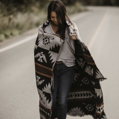 Mimi Tipi, Indigenous Blanket and Home goods, Quebec Company
