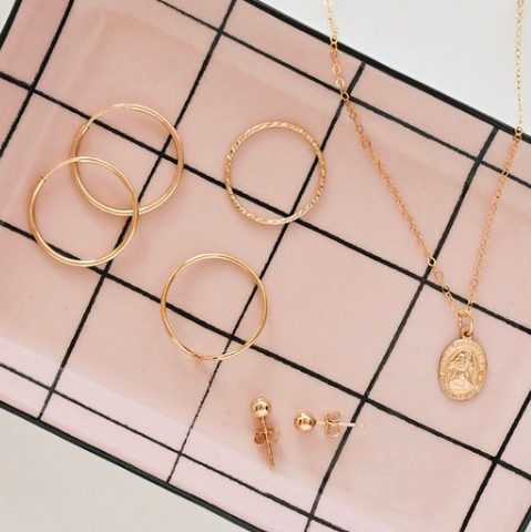 Belle Jewelry Co in Ottawa Ontario, Handmade Minimal jewelry for every day wear