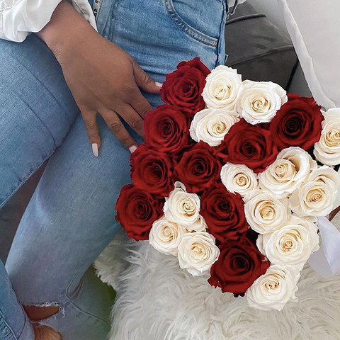 Luxe Bloom infinity roses, Ottawa florals and rose boxes, Black owned florist, Ottawa Ontario flowers