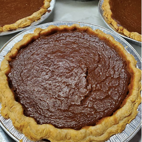 Pumpkin pie in Ottawa, pie from the mobile bakery the Midnight Baker Ottawa Ontario, Where to buy pie and find pie subscription in the capital, Ottawa pies for pi day