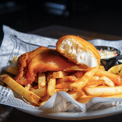 Royal Oak Pubs, Your Favourite British Pub in Ottawa, Fish n chips in stittsville, family owned restaurant in Ottawa selling fish and chips