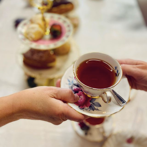 Mother's Day tea in Ottawa, Afternoon tea from Mint & Honey, Chantilly Vintage Rentals, paint night in Ottawa for Mother's Day May 2021, high tea event