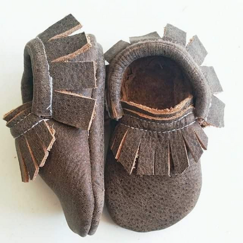 Little Yeti Shoes, slip on durable leather shoes made in Canada, Canadian made children's shoes, moccasin style shoes for kids, shop Yeti shoes for kids, pickup I Gatineau Quebec, Ottawa children's brands, made in Canada