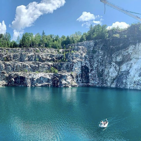 Must visit lagoon near Ottawa, what to do in Ottawa summers, cool off at Morrison's Quarry with Canadian Bungee, Bungee jump, scuba dive or relax in this beautiful quarry, Ottawa places to visit, where to get great photos near ottawa this summer, Ottawa tourist spot