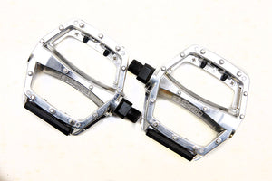 VP Components VP-566 - Alloy Flat / Platform Mountain Bike Pedals - Silver