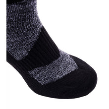 Load image into Gallery viewer, SealSkinz Walking Thin Ankle Socks - Grey / Black