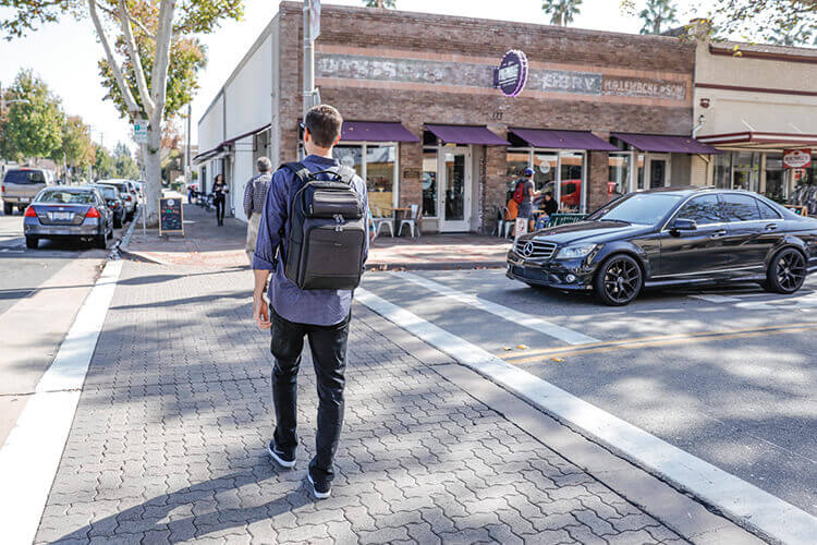 College Students Save on University Backpacks and Student Laptop Bags