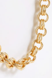 Chain Linked Metal Short Necklace