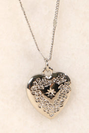 Heart Metal Pendant Short Necklace