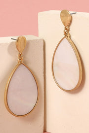 Tear Drop Shell Dangling Earrings