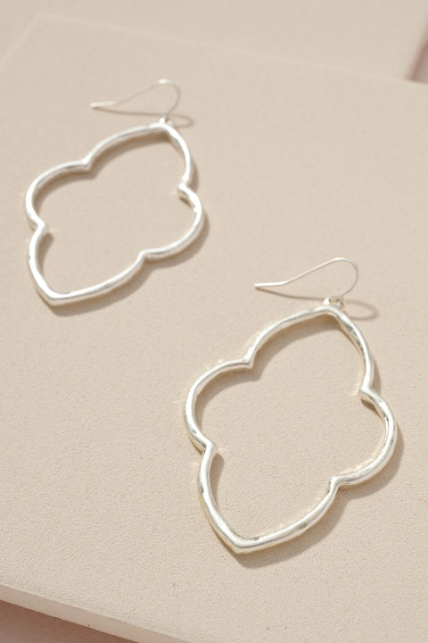Quatrefoil Metal Dangling Earrings