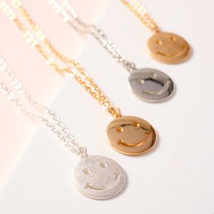 Smiley Face Round Charm Short Necklace