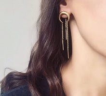 Load image into Gallery viewer, Moon Tassel Earring