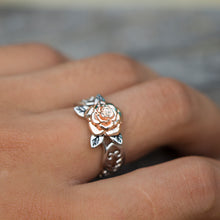 Load image into Gallery viewer, Elegant Rose Flower Ring