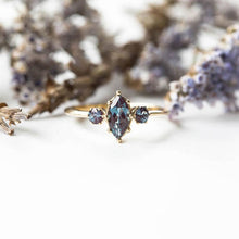 Load image into Gallery viewer, Blue Crystal Ring